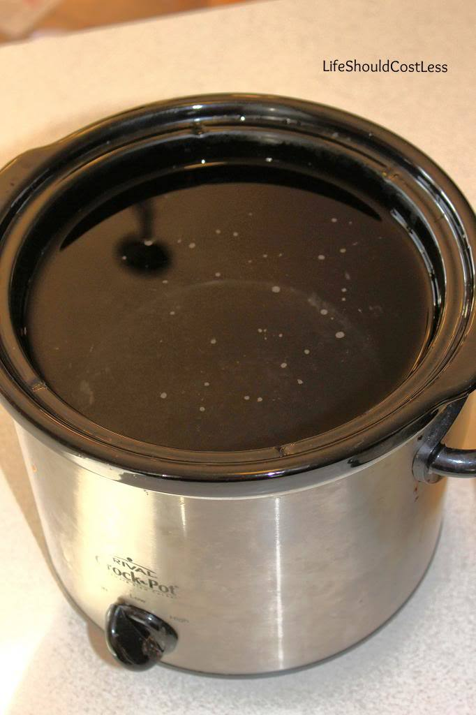 How to make your slow cooker clean itself. Ring of crud be gone in just a few simple steps! The best part is, it takes less than 30 seconds of scrubbing once you're done and you have a nearly brand-new slow cooker again.