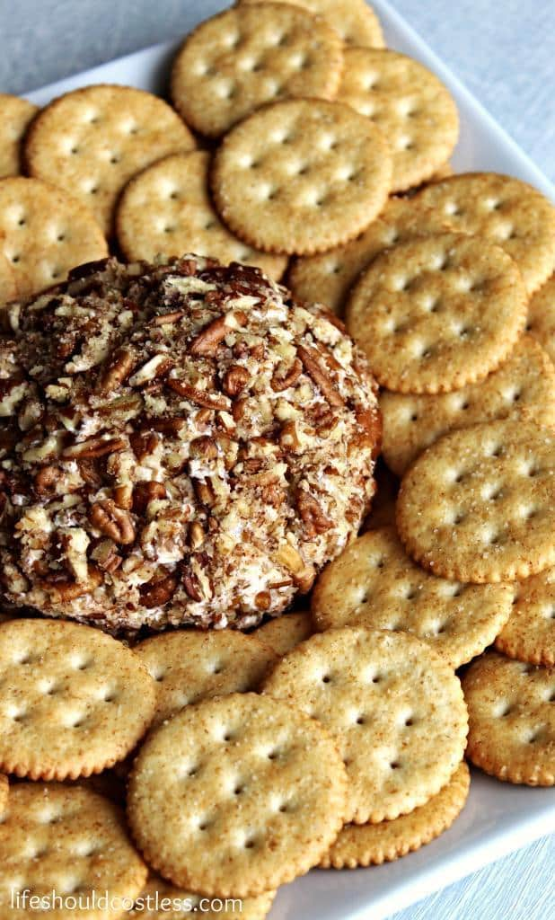 https://lifeshouldcostless.com/2014/12/moms-famous-cheeseball-revisited-now.html