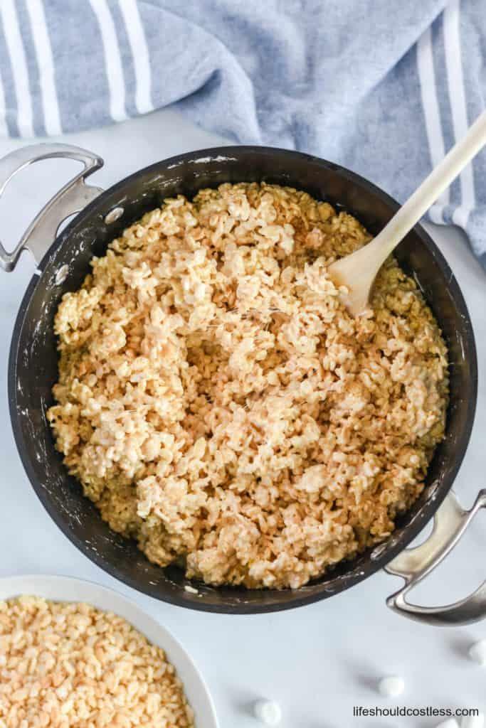 Double batch rice crispy treats recipe. lifeshouldcostless.com