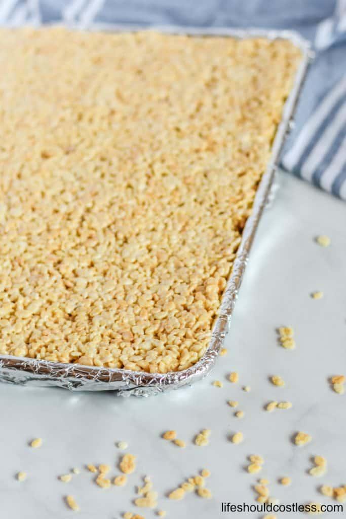 large batch rice crispy treats recipe. lifeshouldcostless.com