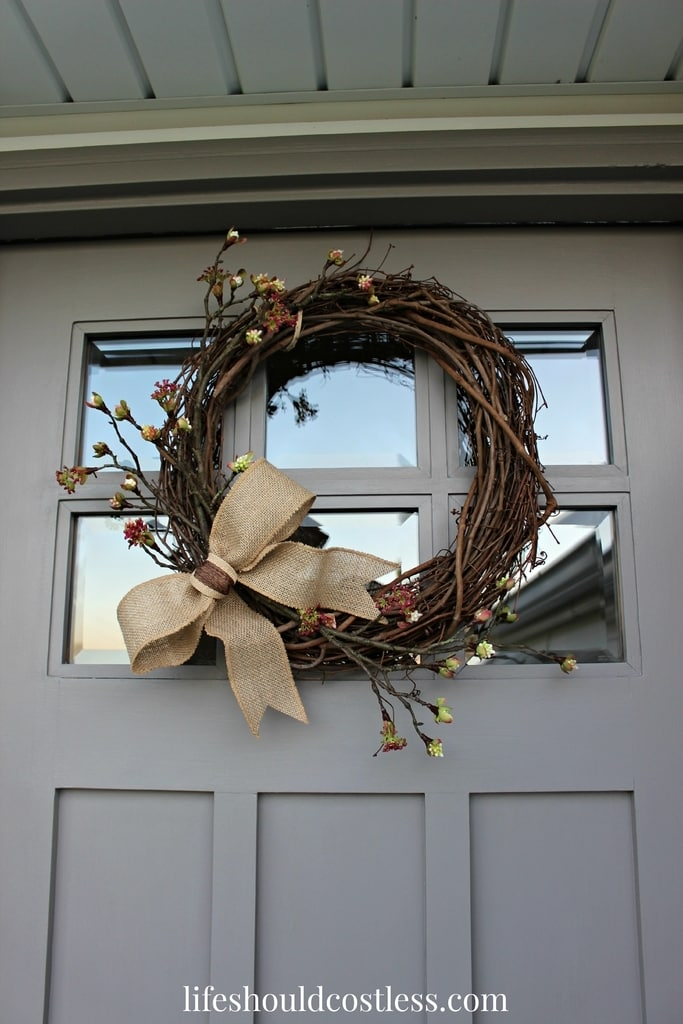 Simple Burlap Bow Fall Wreath