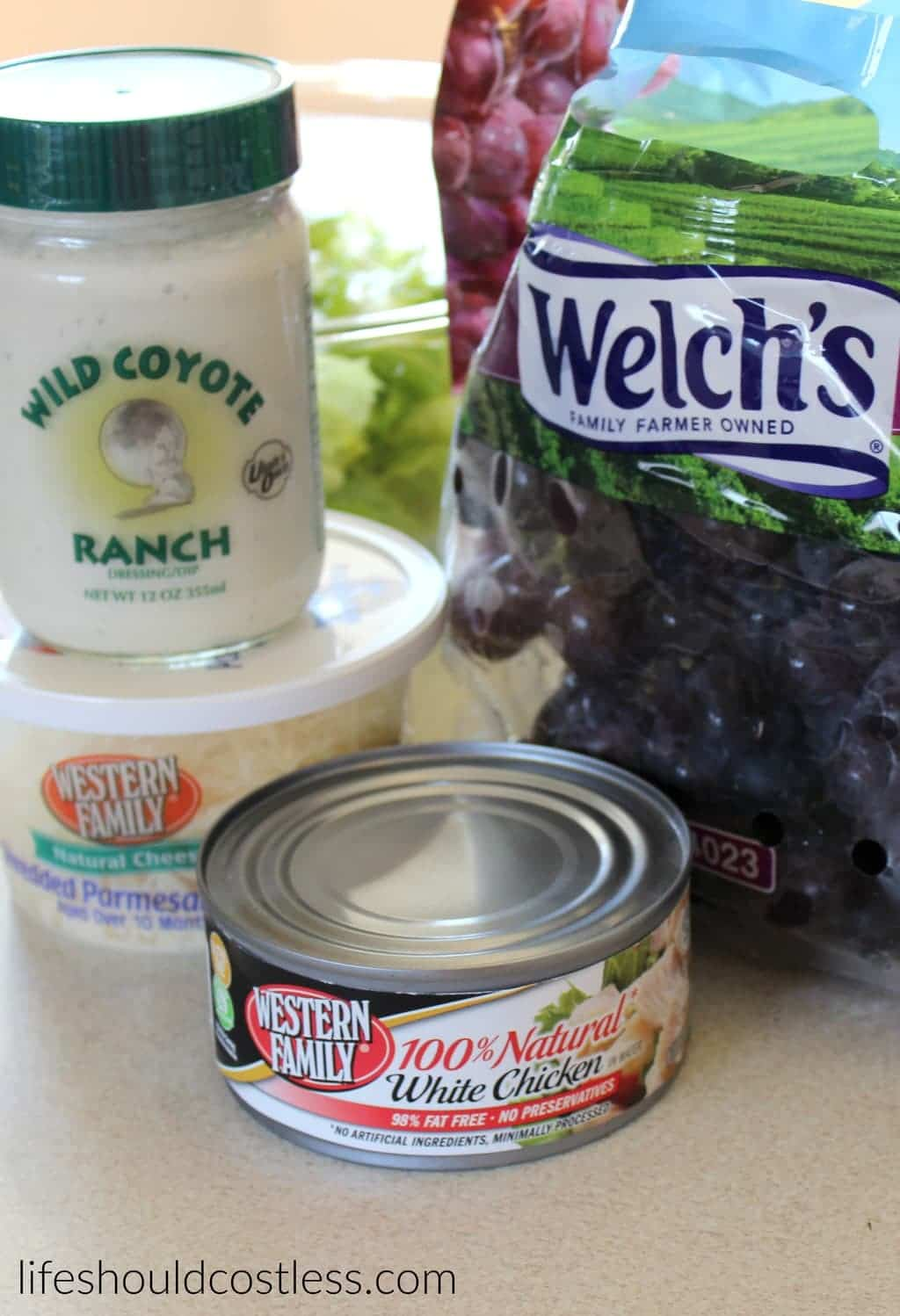 Bow Tie Chicken Salad. It's so tasty, it will be your new favorite in no time! #wildcoyoteranch {lifeshouldcostless.com}