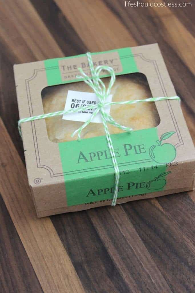 A gift idea that's as easy as pie, and costs less than $1 each. Apple pie, green twine. {lifeshouldcostless.com}