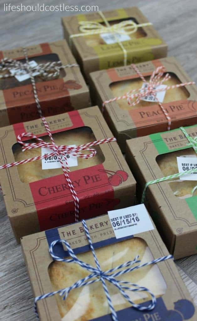 A gift idea that's as easy as pie, and costs less than $1 each. Blueberry, Cherry, Pecan, Lemon, Peach, and Apple. {lifeshouldcostless.com}