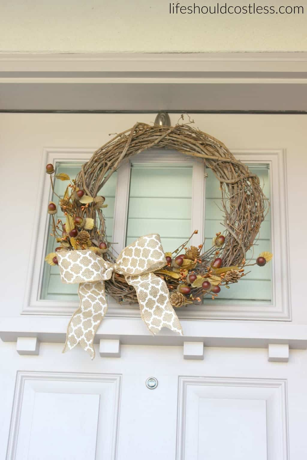 Rustic fall porch decor reveal. See this post and many more popular decor pins at lifeshouldcostless.com. Simple fall wreath.