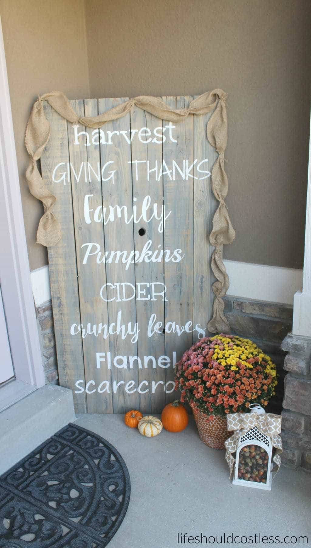 Rustic fall porch decor reveal. See this post and many more popular decor pins at lifeshouldcostless.com.