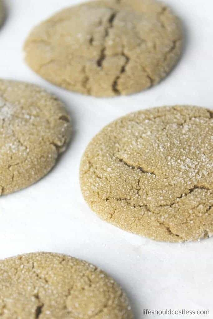 Grandma Utahna's Molasses Cookies. The perfect blend of Molasses, Ginger, and Cinnamon! They're chewy and delicious and are sure to be your new favorite cookie! {lifeshouldcostless.com}