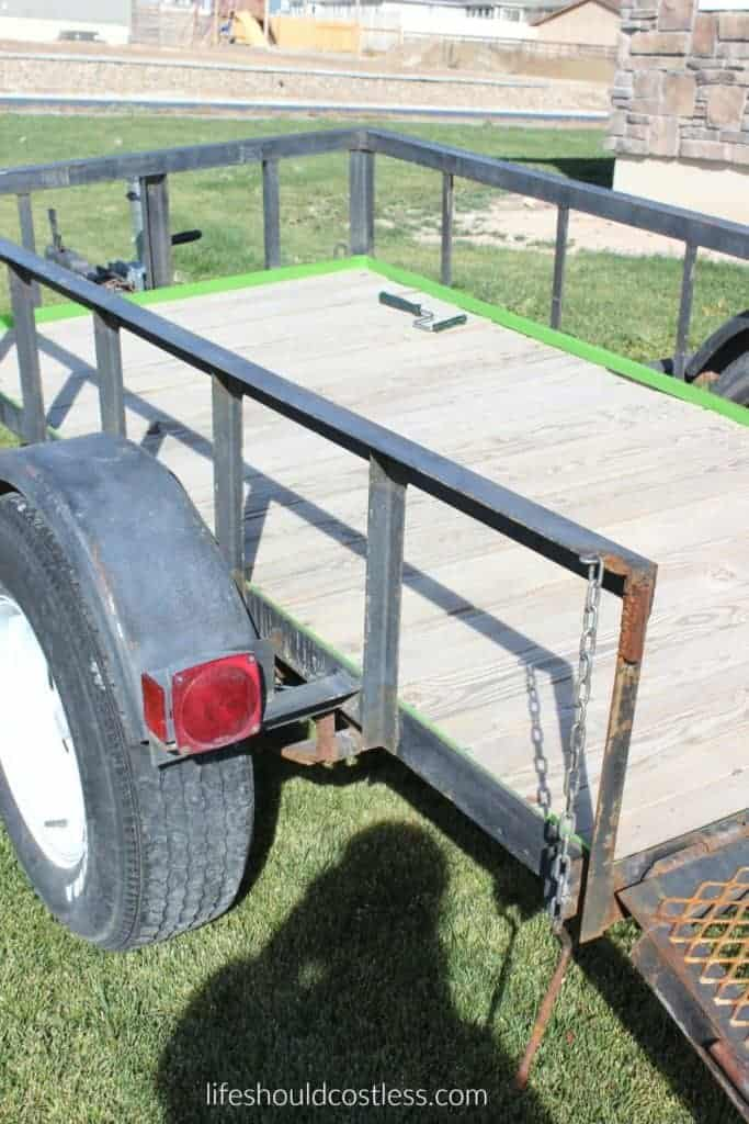 Utility Trailer Make Over/ Revamp. See full post and many other popular DIYs at lifeshouldcostless.com.