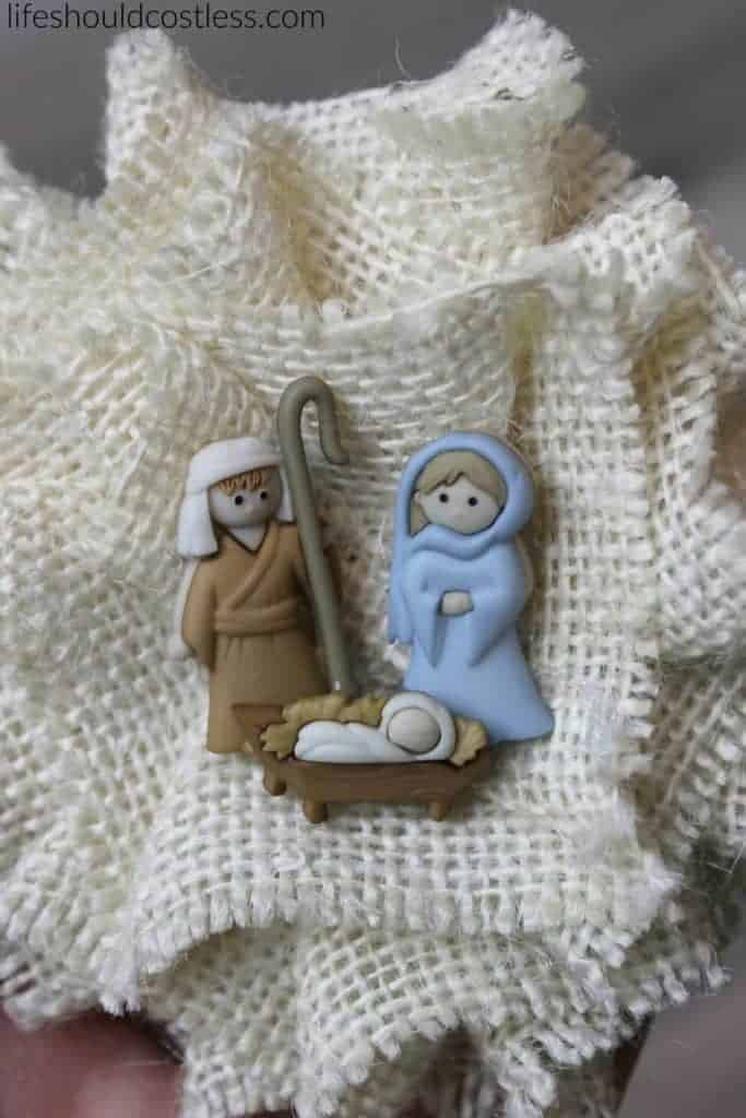 Three minute Burlap Nativity Pin. A festive Christ themed pin that will make any outfit look great for the Christmas Season. It takes only minutes to make! {lifeshouldcostless.com}