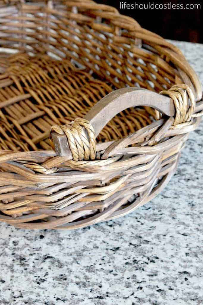 Burlap And Lace Fruit Basket DIY22