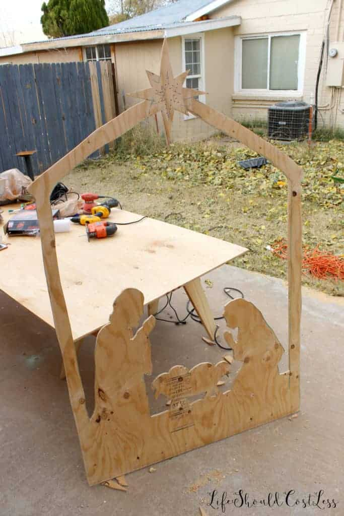 Diy Nativity Silhouette Yard Decor, How To Build A Manger For Outdoors