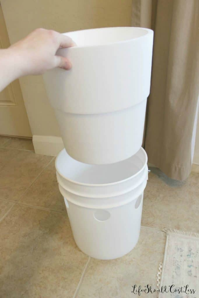 Styrofoam bucket liner for five gallon bucket A/C (air conditioner). Where to get/buy. lifeshouldcostless.com