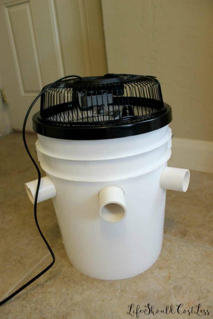 Best bucket air conditioner tutorial. How to make redneck air conditioner. lifeshouldcostless.com