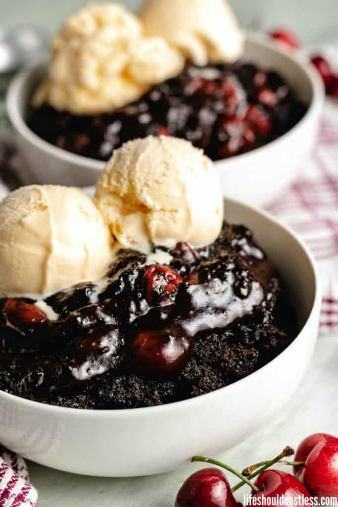 One of the best slow cooker desserts. How to make dump cake in a crock pot, slow cooker, or dutch oven. lifeshouldcostless.com