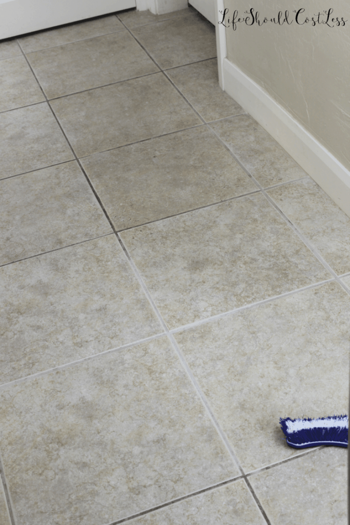 DIY grout cleaning. lifeshouldcostless.com
