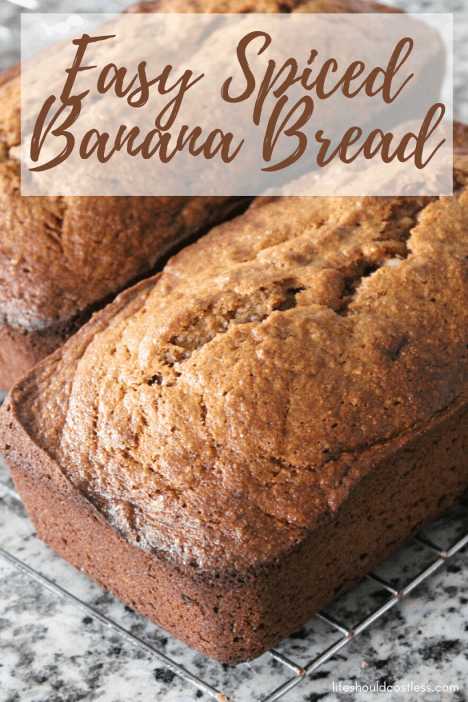 Yummy banana bread recipe. lifeshouldcostless.com