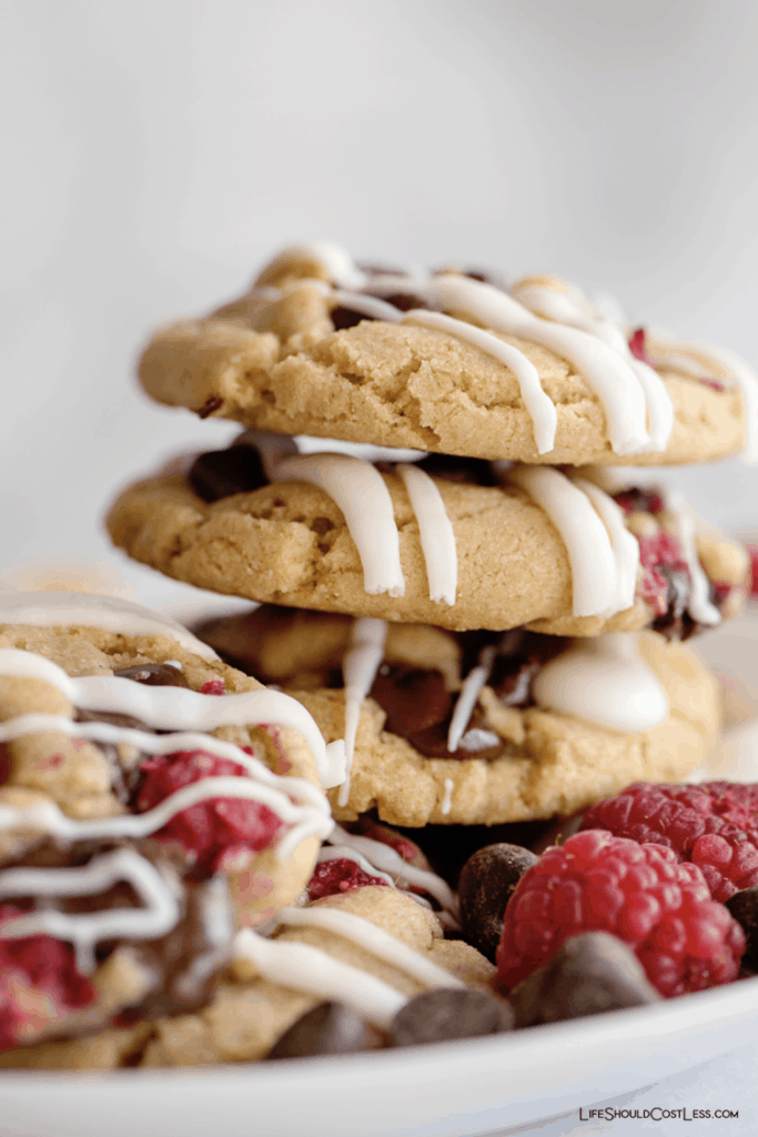 The Best Raspberry And Chocolate Cookie Recipe lifeshouldcostless.com