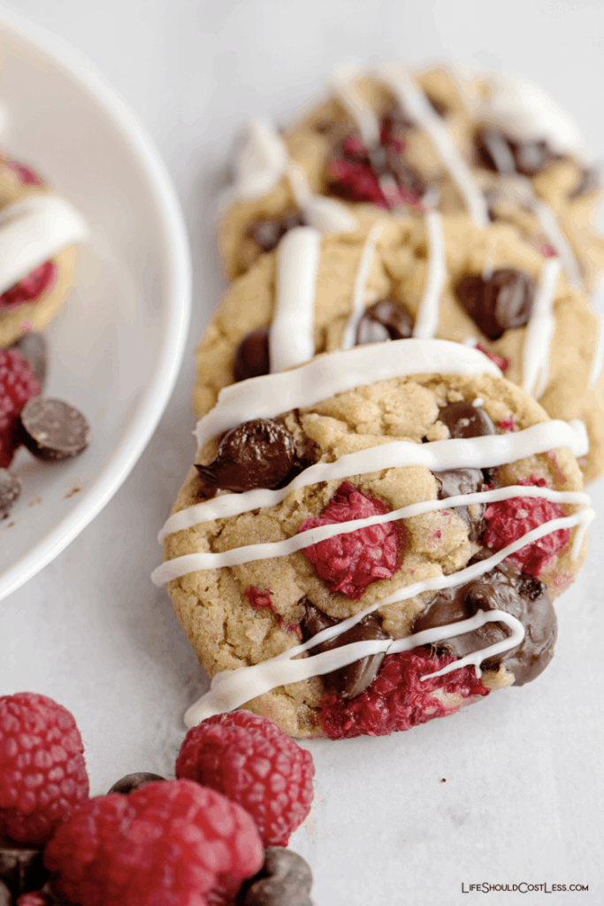 Delicious Cookie Recipes With Raspberries And Chocolate lifeshouldcostless.com