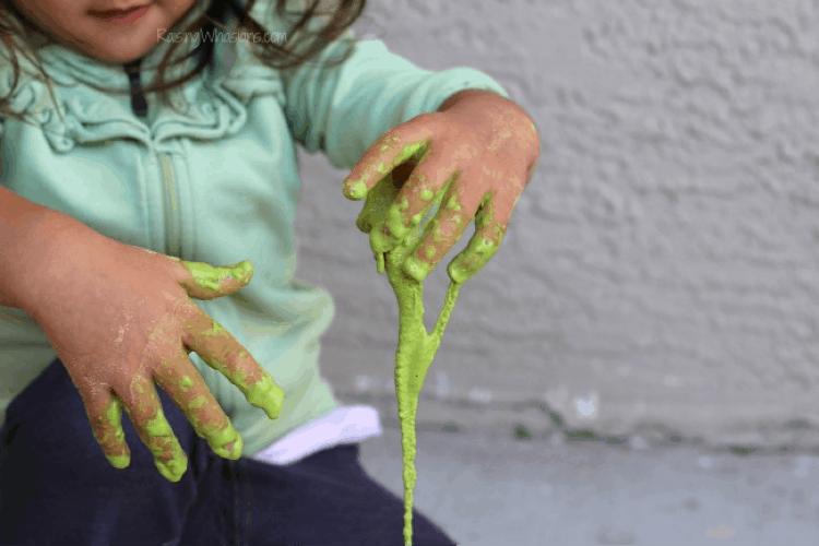 St patricks day slime allergy friendly lifeshouldcostless.com (1)