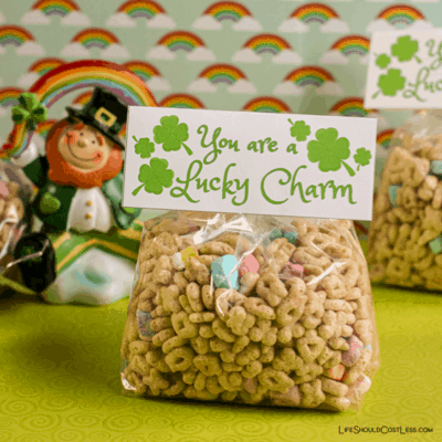 "Happy St. Patrick's Day Free Printable Signs. ""You're A Lucky Charm"". lifeshouldcostless.com"