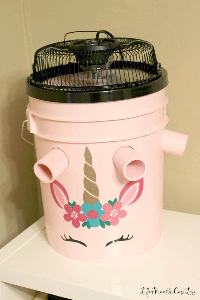 DIY decorative homemade five gallon bucket air conditioner. Bucket AC lifeshouldcostless.com