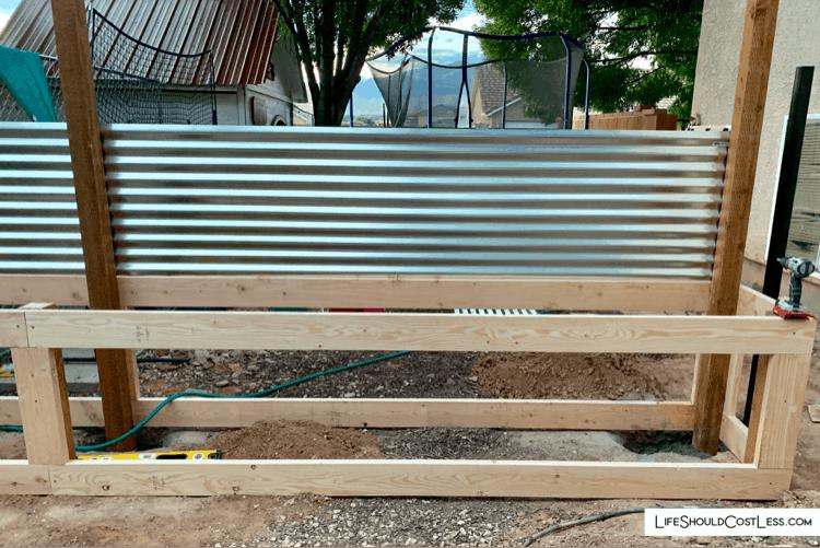 _S3 Modern wood fence lifeshouldcostless.com (1)